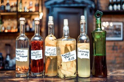 Ягодные наливки и жгучие настойки. Как делать старинные русские напитки