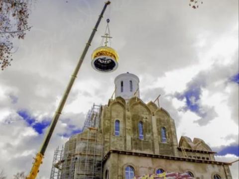 Зачем Путин строит церкви. К…