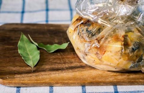Запеченная картошечка с грибами и сметаной: обязательно попробуйте приготовить!