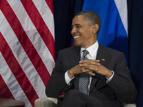 СМИ: Обама угрожал Кремлю накануне выборов по «красному телефону»