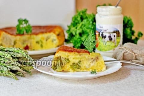 Заливной пирог с сыром, минтаем и спаржей