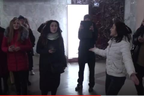 Флешмоб на вокзале в Одессе! Смуглянка!