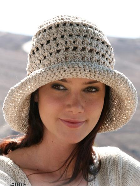 летняя шляпка с полями крючком