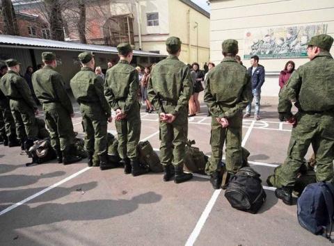 Крымские призывники впервые будут направлены за пределы полуострова