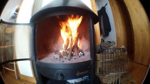 Как выжать из дров максимум: 9 способов продлить горение, увеличить теплоотдачу и сократить расход