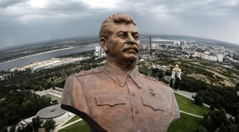 """В Волгограде предлагают создать """"Сталин-центр"""""""