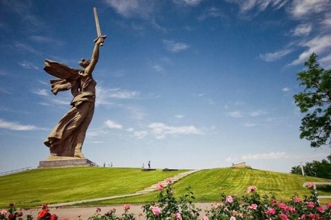 20 памятников-гигантов, рядо…