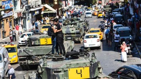 В Турции начались массовые а…