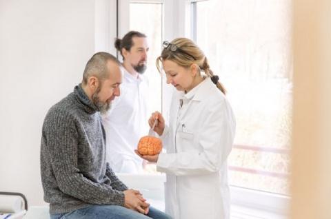 Берегите голову! 10 мифов о раке мозга