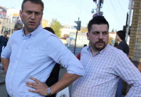 Навальный отменил митинги в …