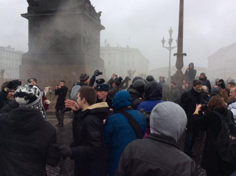 Сторонники Навального на Дво…