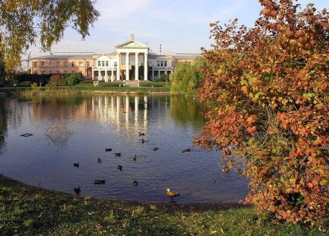 6 самых красивых ботанических садов России