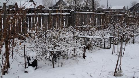 А снег идёт, а снег идёт.... в мае