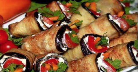 Не закуска, а объедение — острые рулетики из баклажанов «Тещин язык». Необыкновенно пикантная, острая, из большого количества овощей