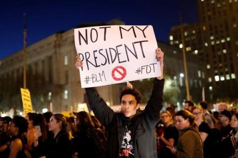 За участие в протестах против Трампа в США предлагают $ 2,5 тыс. и страховку