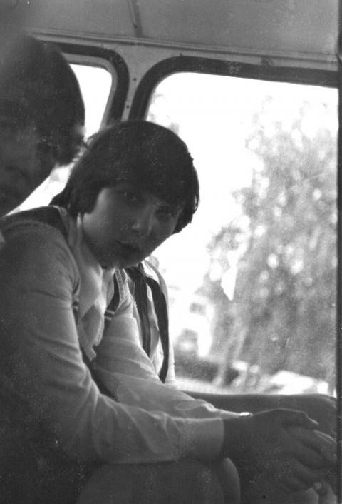 1978 1 смена. в автобусе. Сонина Галя и виден Антипин Миша