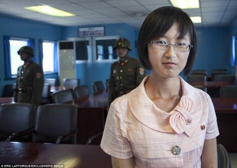 """""""Незамужние не беременеют"""": жизнь глазами девушки из Северной Кореи"""