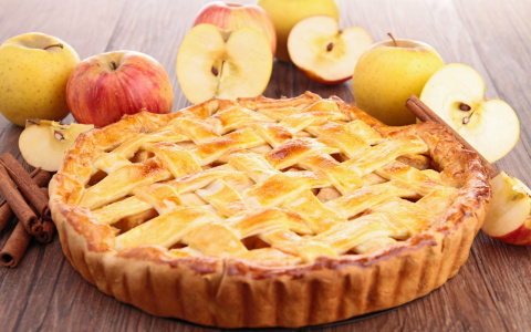 От «шарлотки» до пастилы. Пять проверенных рецептов из яблок к Спасу