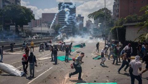 Новости мира: в Венесуэле арестованы 470 из-за протестов