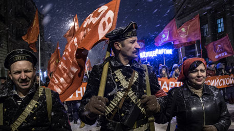 Наказание за отрицание Октябрьской революции надо ввести?