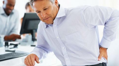 Что нужно знать офисному работнику о болях в спине