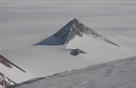 Сенсационная находка: древние пирамиды Антарктиды