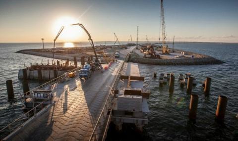 Стройка Керченского моста: в…
