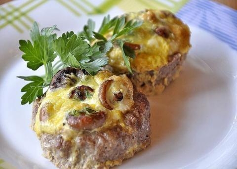 Мясные «гнезда» с грибами и сыром. Горячая закуска к любому празднику!
