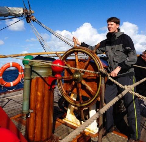 Авантюрист плывет в Антаркти…