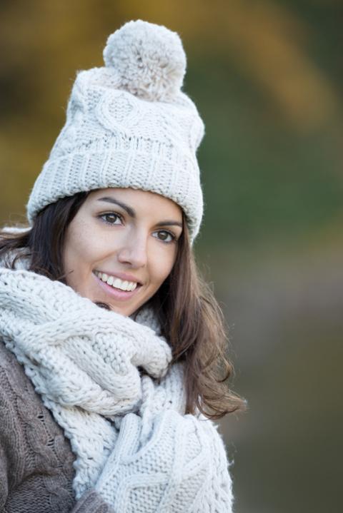 Вязаная женская кофта: модные образы и сочетания
