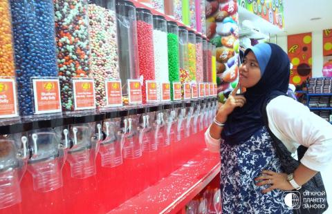 Самый большой магазин сладостей в мире