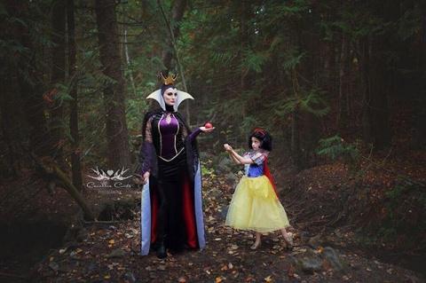 Мама и дочь наряжаются в невыносимо крутые диснеевские костюмы