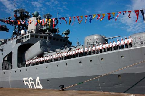 НАТО отправляет флот на пере…