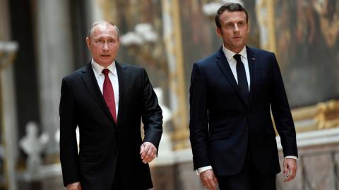 Макрон призвал Путина защитить граждан Сирии
