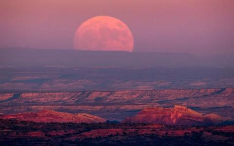 Суперлуние 2016: самая большая Луна за последние 70 лет