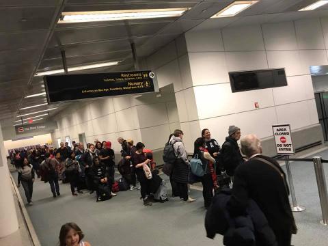 «Настоящий ужас». Российская журналистка рассказала о коллапсе в аэропорту США