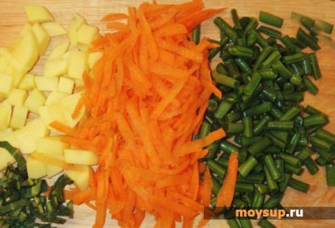 Легкий овощной суп со стручковой фасолью
