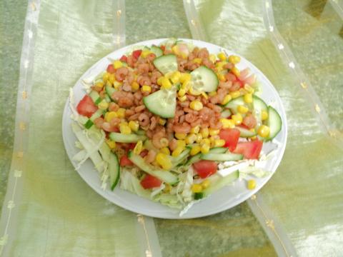 салатик овощной с креветками