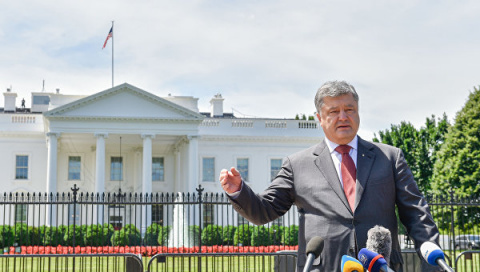 Почему Порошенко оказался по…