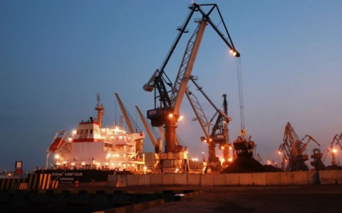 """Судно с углём из  США  устроило настоящий """"Армагеддон"""" в одесском порту, нанеся ущерб на сотни миллионов"""