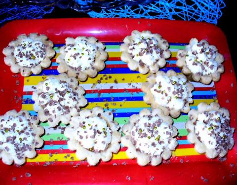 корзиночки из слоёного теста со взбитыми сливками и маскарпоне. Фото-Рецепт Olga Dell