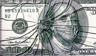 """СМИ: Доллару """"светит"""" будущее местной валюты"""