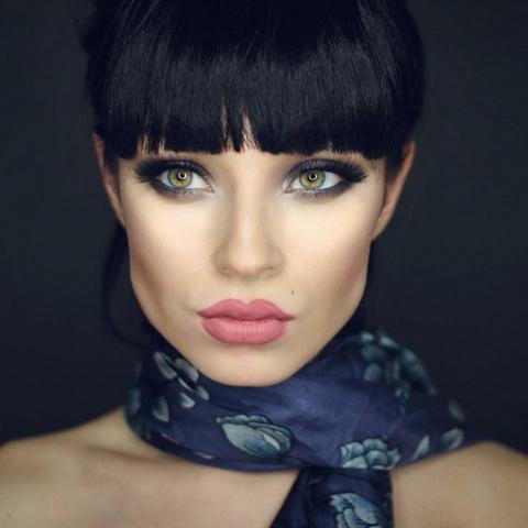 Как макияж меняет внешность человека.На всех фото одна и та же девушка!
