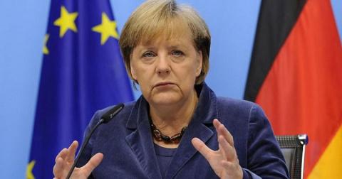 Меркель считает отношения с …