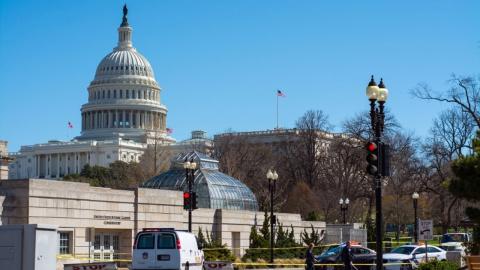 «Партийные войны» в Конгрессе США ставят на паузу санкции к РФ