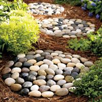 Декоративная галька в саду — изготовление дорожек, тропинок, ковриков, корзин