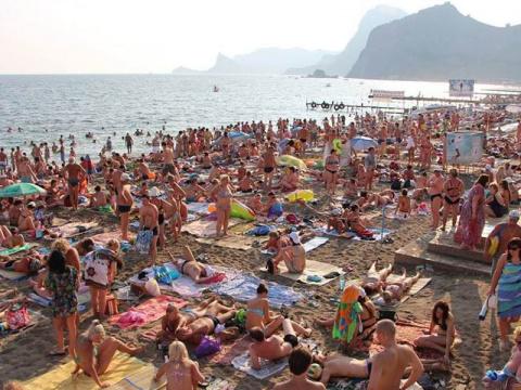 С туристов в Крыму и Сочи будут собирать налог