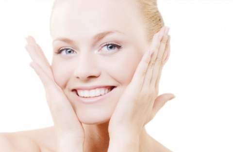 Как сделать кожу лица белоснежной