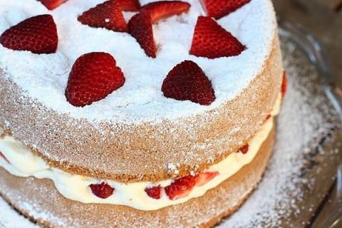 Классический торт «Виктория»…