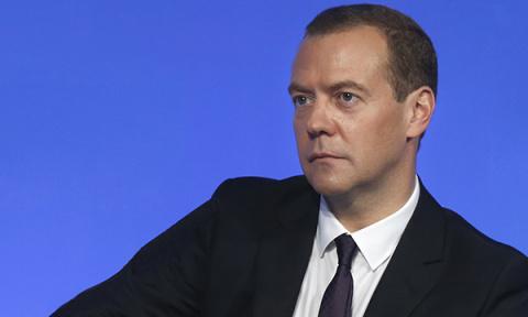 Медведев: Без сильного гражд…
